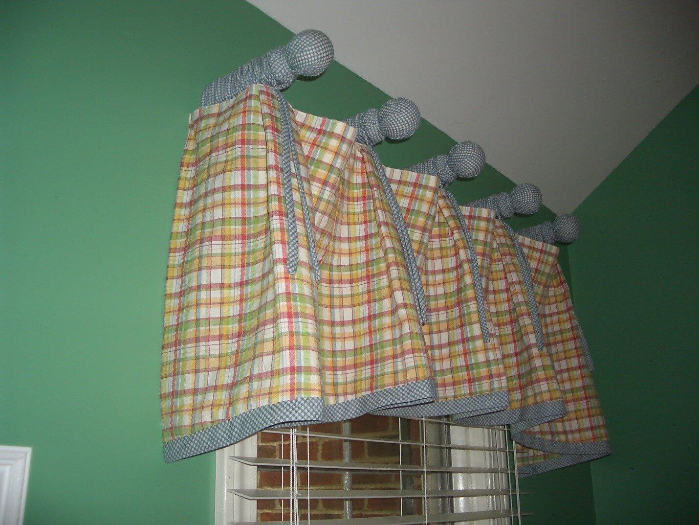 Naperville Home Design, Burr Ridge Home Design, bedding, curtains, custom designs, draperies, blinds, shutters, interior design