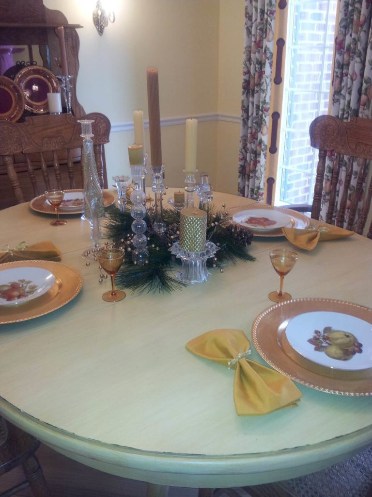 Mixing and matching the table setting and the center decoration will bring the element of surprise!